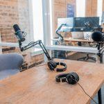 Podcast setup microphone and headphones